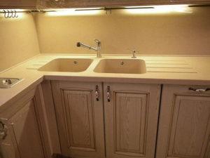 Кухонная мойка в Угловом шкафу