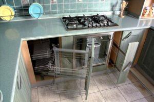 Наполнение углового шкафа на кухне