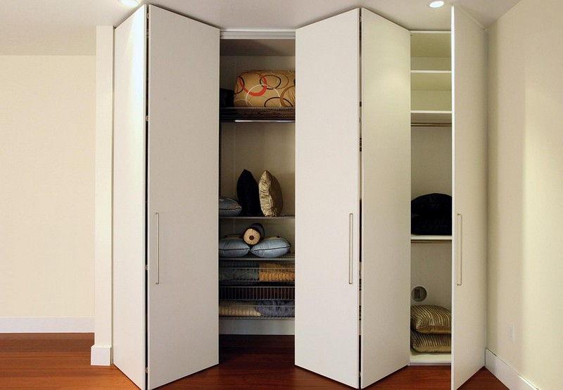 Шкаф со складными дверями гармошка